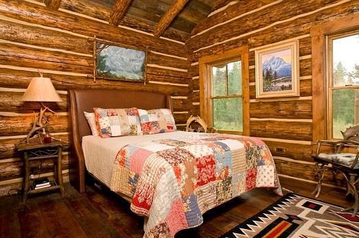 спальня, лоскутное одеяло, красный