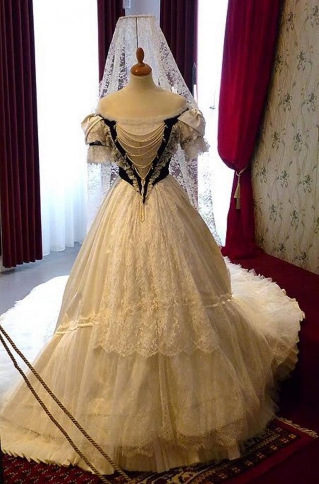 Магазины платьев в королёве