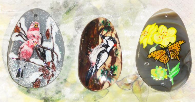 роспись, роспись по камню, расписные камни, роспись по яшме, роспись по агату, хвасталка, зима, зимний пейзаж, лето, птицы, дятел, бабочка, цветы, агат, яшма, миниатюра, кулон, подвеска