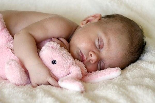 янтарные бусы, обезболивающие ожерелья, слингобусы, новорожденный
