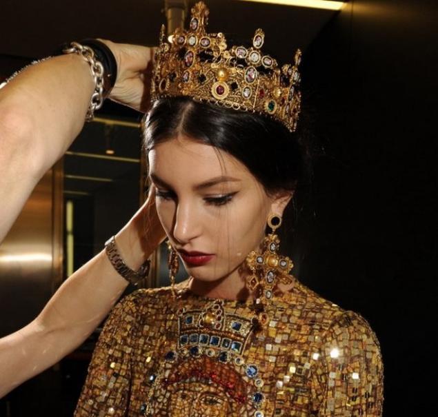 Полюбоваться последней коллекцией Dolce&Gabbana в византийском стиле мо