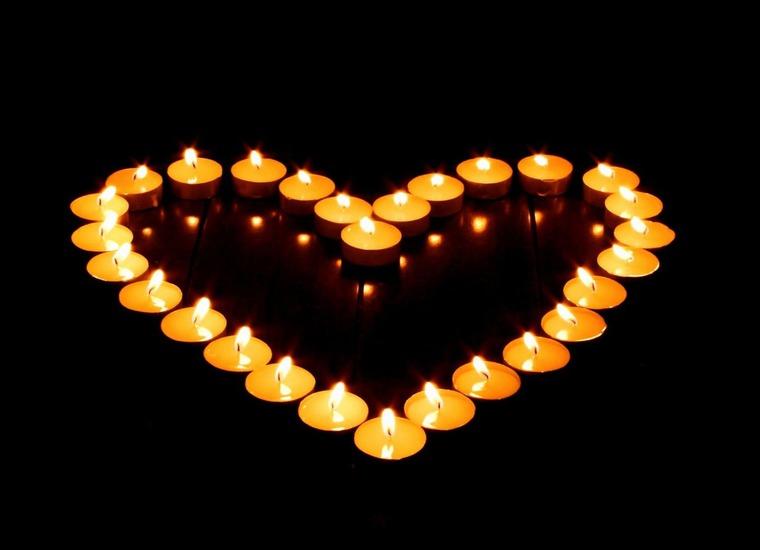 Как сделать сердце свечами