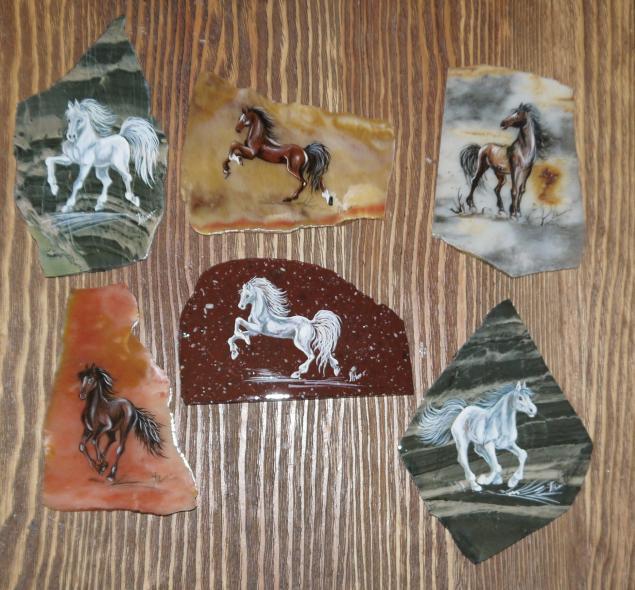 акция магазина, скидка 20%, сувениры к новому году, сувенир лошадь