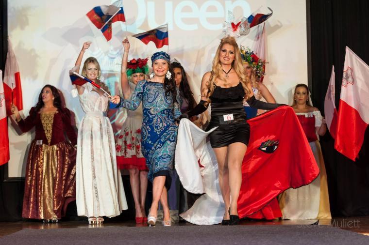 конкурс, наряд, платье из платков, платки, караван, образ, лана зариньш, синий цвет