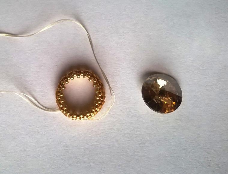 DIY on Creating a Cloverleaf Brooch for Luck, фото № 7