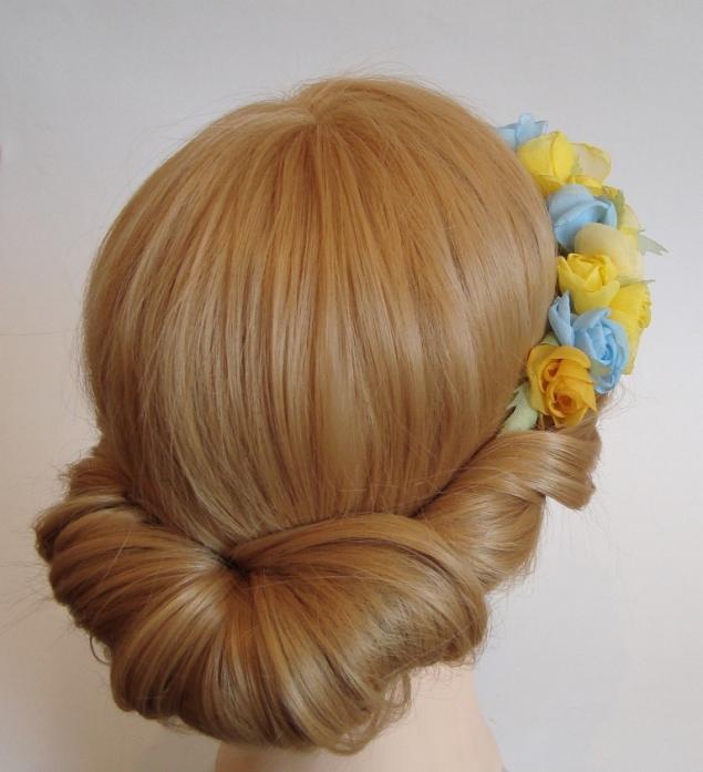 Плетение с резинкой на голове