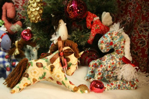 лошади, новогодние подарки