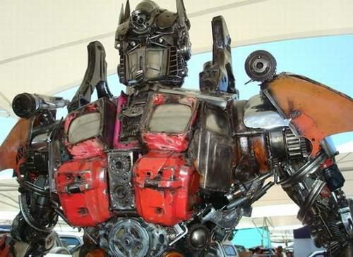 Роботы своими руками из хлама