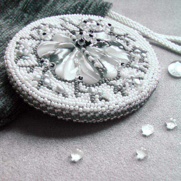 зеркало сувенирное, ручная вышивка