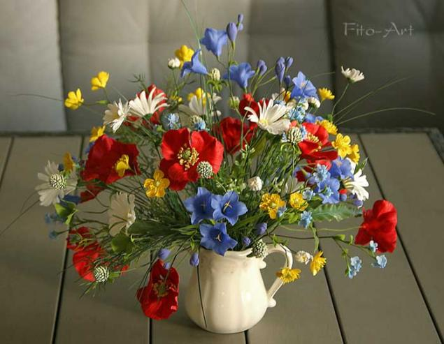 Букет полевых цветов высокого