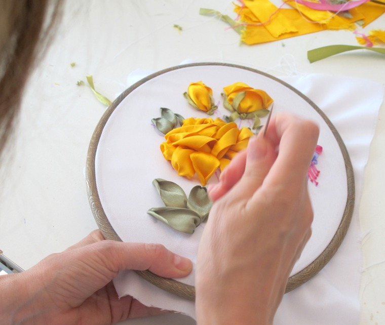 вышивка лентами, вышивание