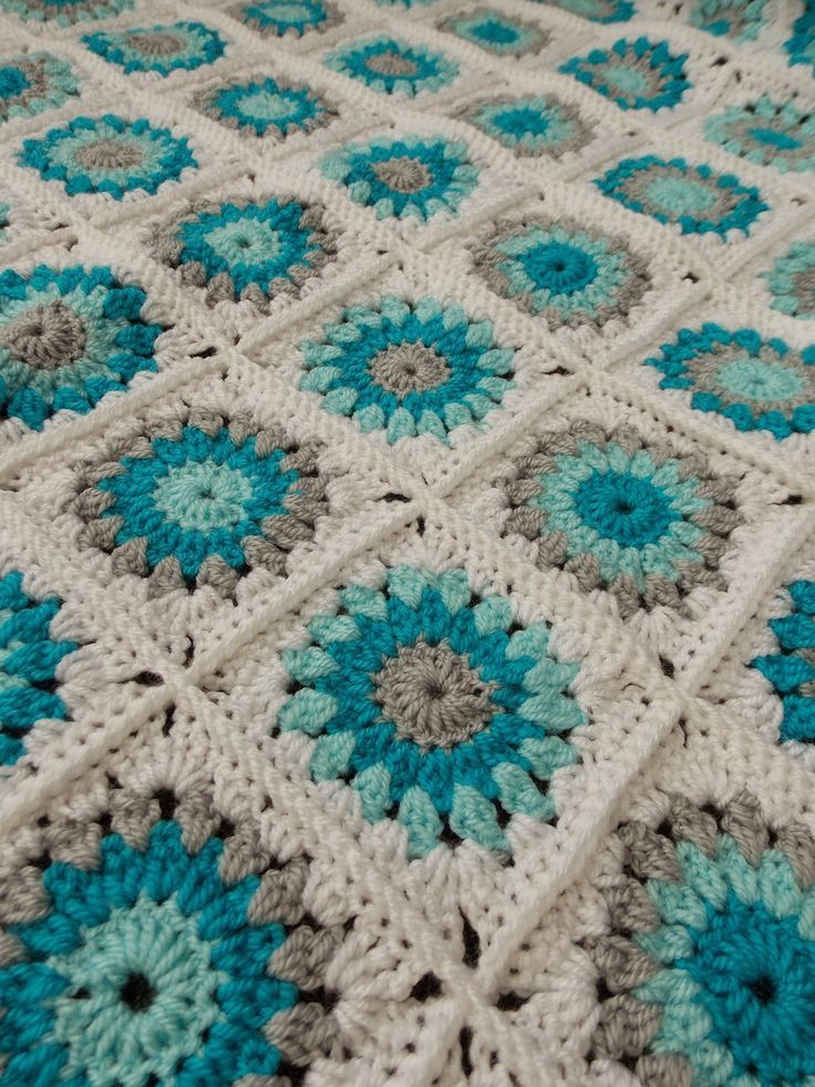 Sunburst granny square (with link to pattern)