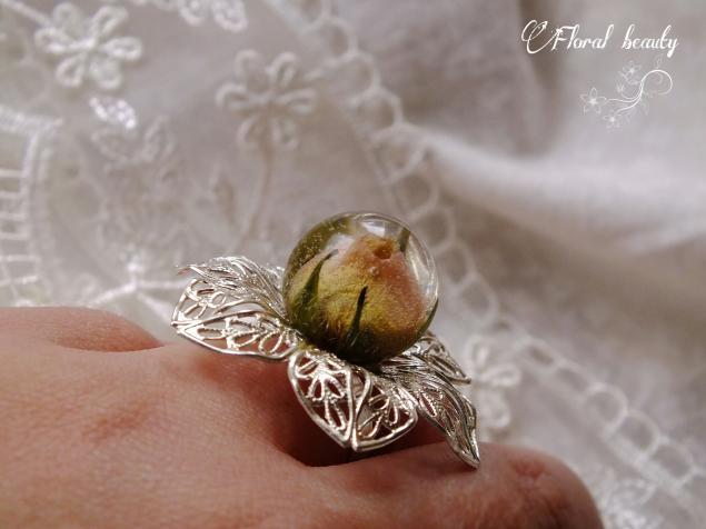 кольцо, кольцо с сухоцветами