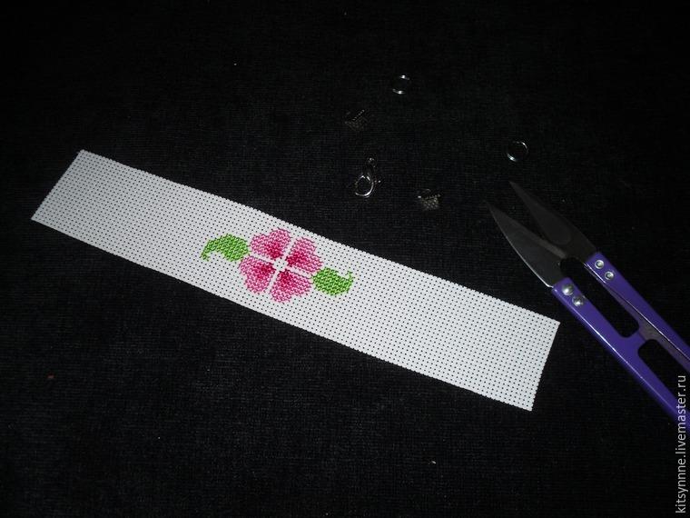 Как сделать браслет с вышивкой «Весеннее настроение», фото № 5