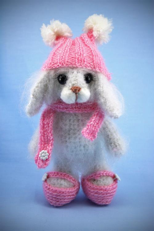 игрушка зайчонок