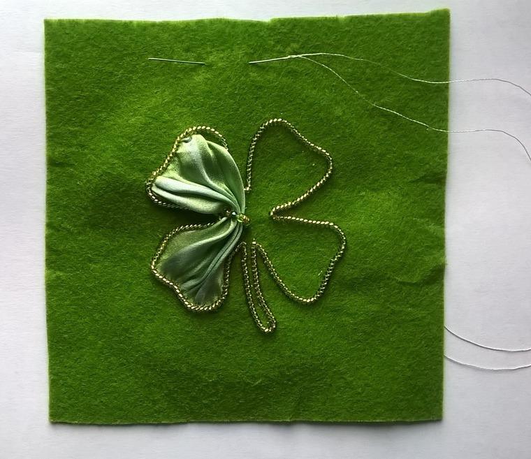 DIY on Creating a Cloverleaf Brooch for Luck, фото № 6