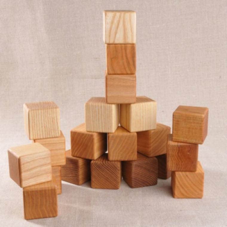 Игрушки из дерева. фото
