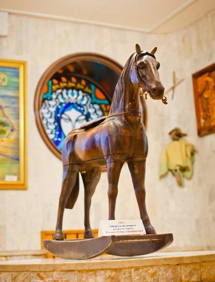 лошадка, лошадка-качалка, конь, новый год 2014