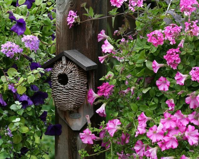 Декоративный скворечник для сада