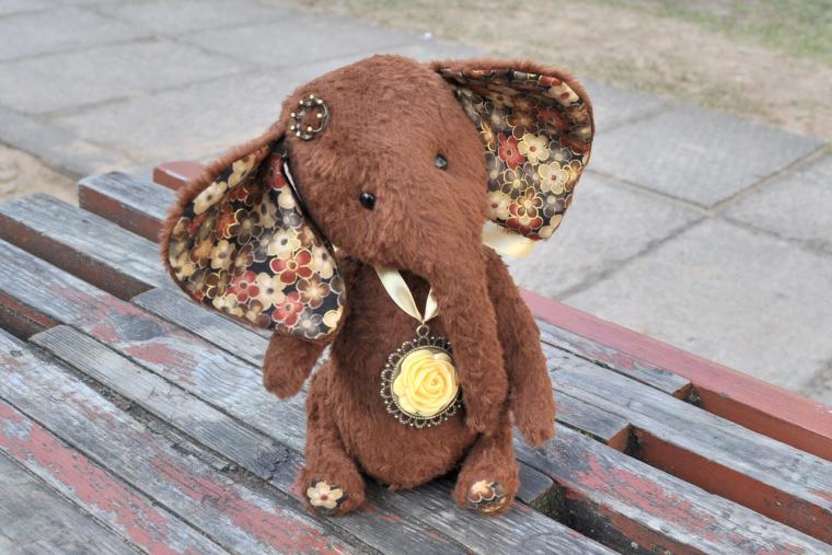 слоник, для интерьера
