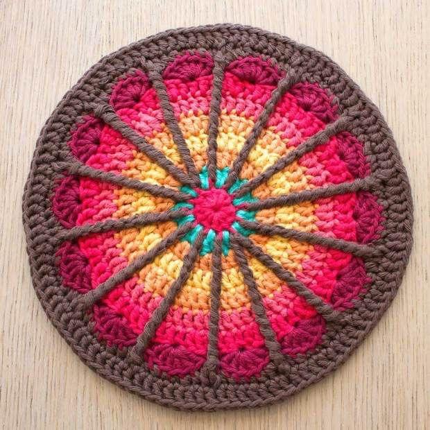 Как плетут мандалы