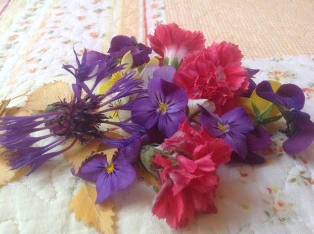 розочки, цветы в украшении