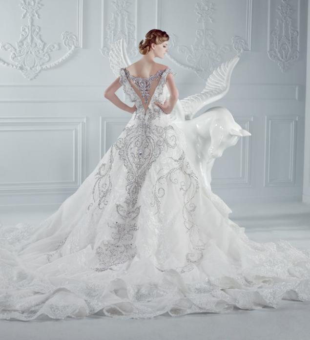 Самые-самые звездные свадебные платья / фото 2 16