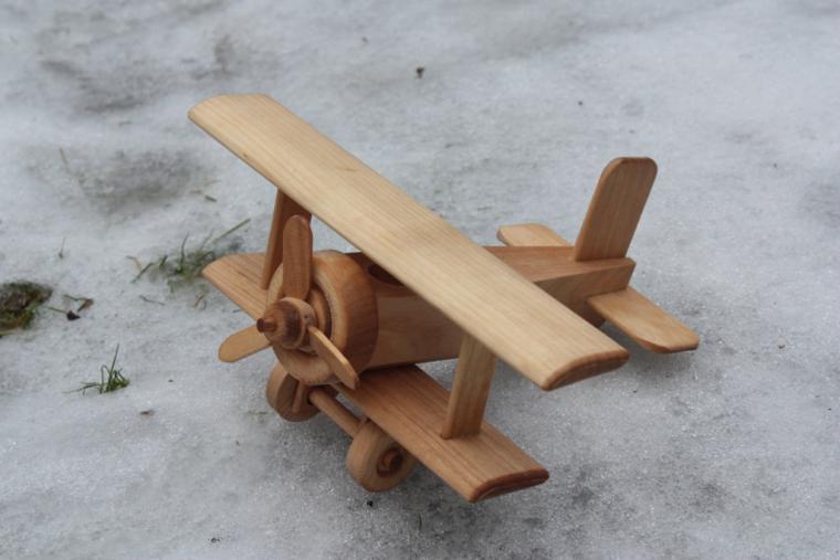 Как сделать из дерева самолетик фото 161
