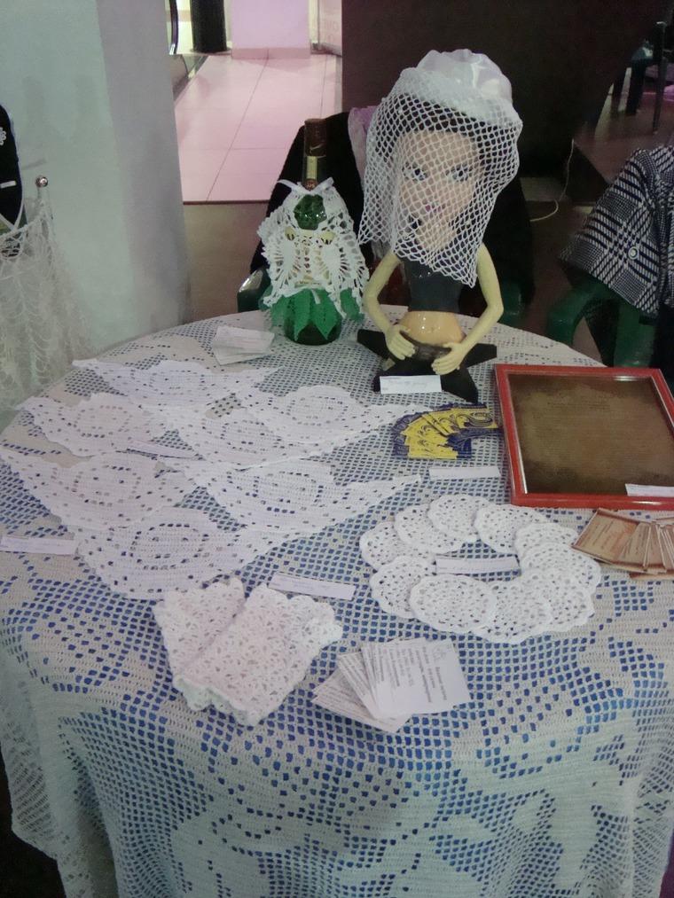 свадебный декор, вязаные изделия, нарядные митенки