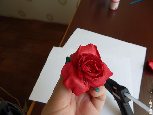 Реалистичная роза из фоамирана своими руками, фото № 18