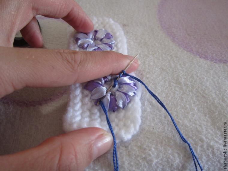 вышивка лентами на шапке