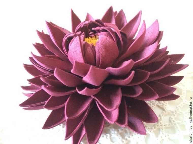 цветы из пористой резины