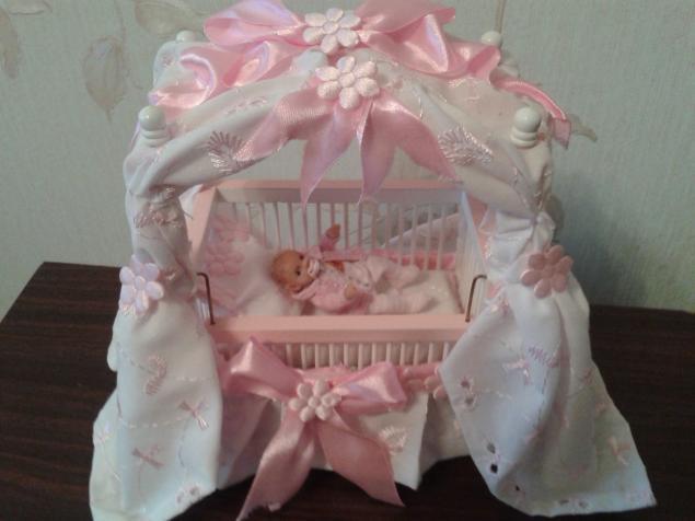кукольная миниатюра, кукольный домик, кроватка для кукол, колыбелька, колясочка, миниатюрная мебель, мебель для кукол, миниатюрные аксессуары, пупс в кроватке