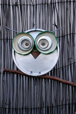 Recycled lids owl