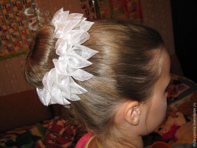 Причёски для девочек.шишка в резинках