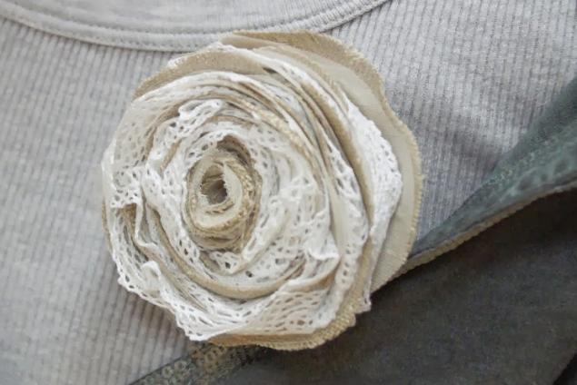 брошь ручной работы, винтаж, цветок из ткани, подарок своими руками