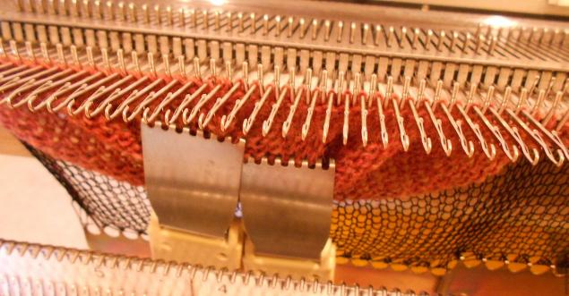 Частичное вязание на вязальной машине