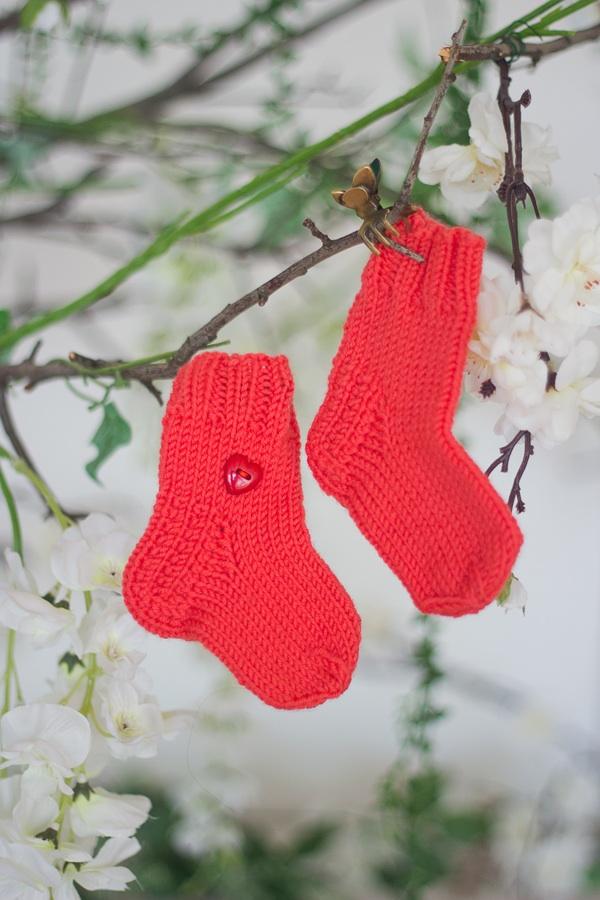 носки, помощь детям, новорожденному