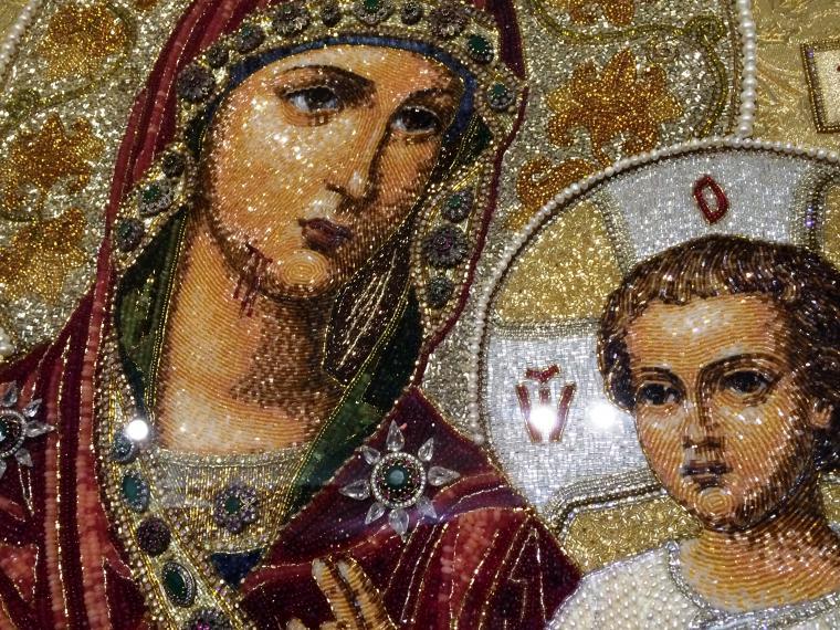 Вышивка икон жемчугом и камнями