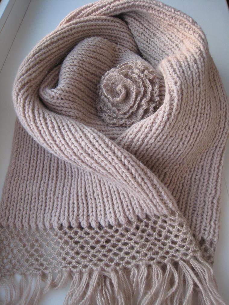шарф с кистями