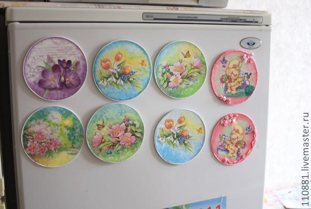 Магнитики из дисков на холодильник своими руками