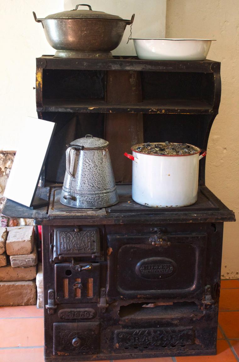 печка в интерьере
