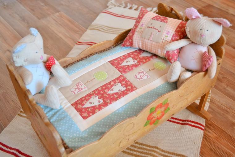 Как сшить подушку для куклы