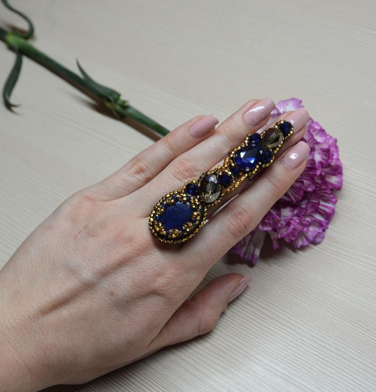 кольцо на весь палец, кольцо с камнем, лето