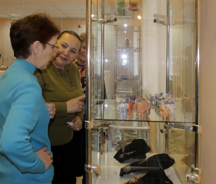 выставка, керамика юлии мацигор