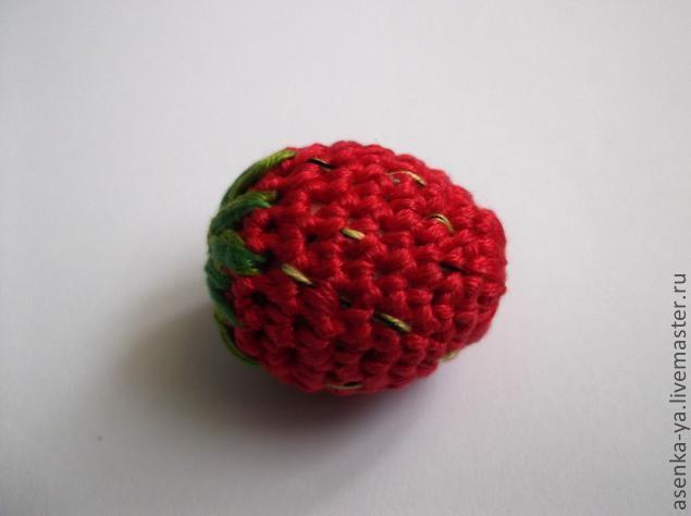 用绣花线钩的草莓 - maomao - 我随心动
