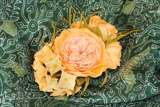 фоамиран, брошь-цветок