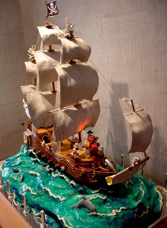 Торт в виде фрегата фото