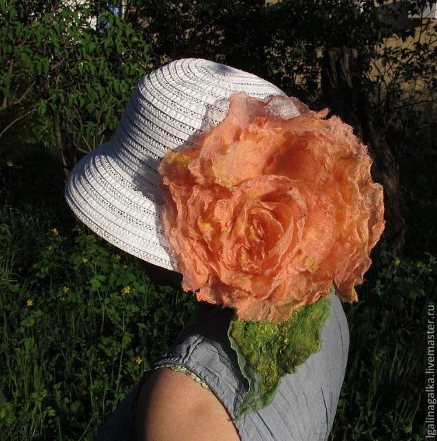 цветок валяный