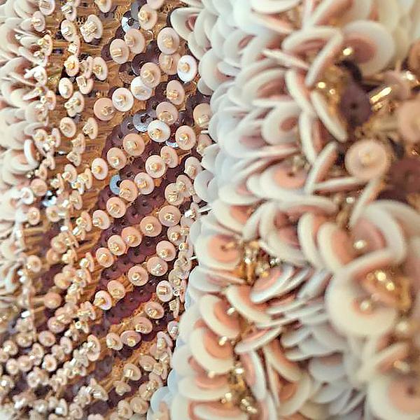 Объёмная вышивка из бисера и пайеток